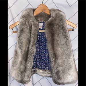 Cyrillus faux fur gray vest